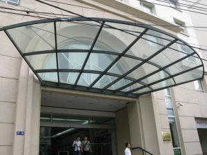 mái sảnh kính tại Vinh